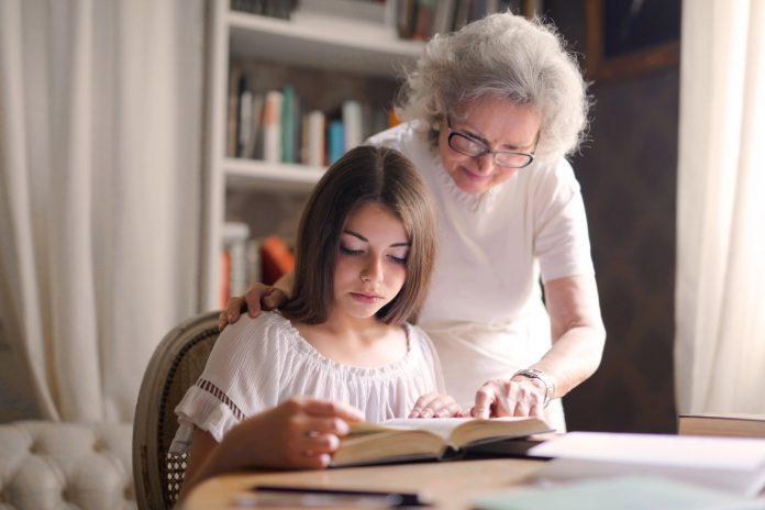 Crianças precisam dos avós para crescerem felizes e inteligentes