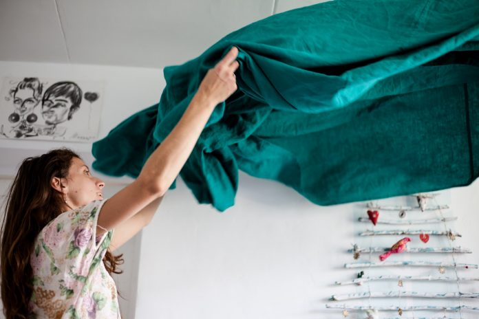Manter a casa limpa e organizada queima calorias e evita depressão