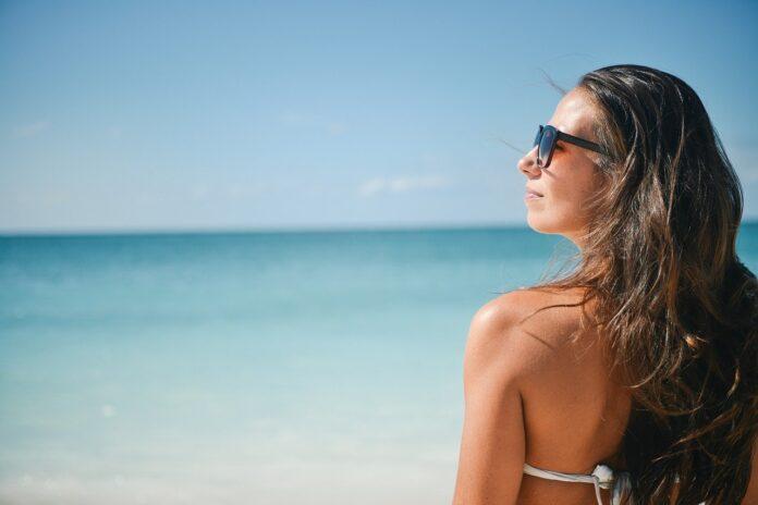 Benefícios de tomar banho de sol