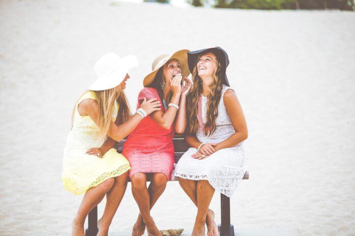 Dar boas risadas evita depressão e previne doenças do coração, aponta pesquisa