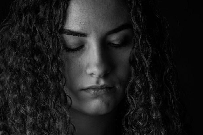 8 razões para NUNCA implorar por amor, carinho ou atenção